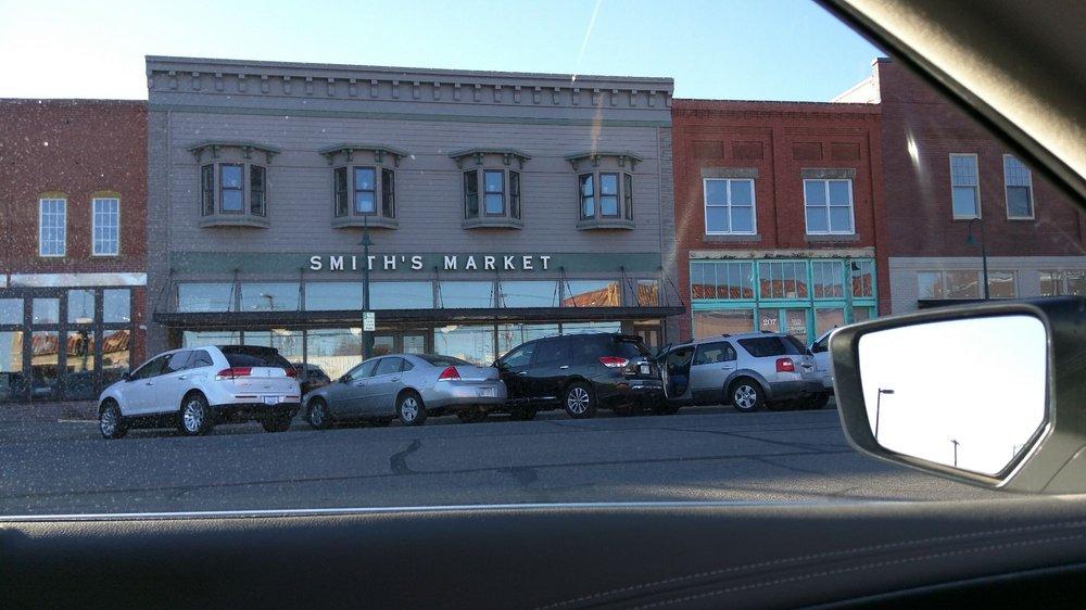 Smith's Market: 211 S Main St, Hutchinson, KS
