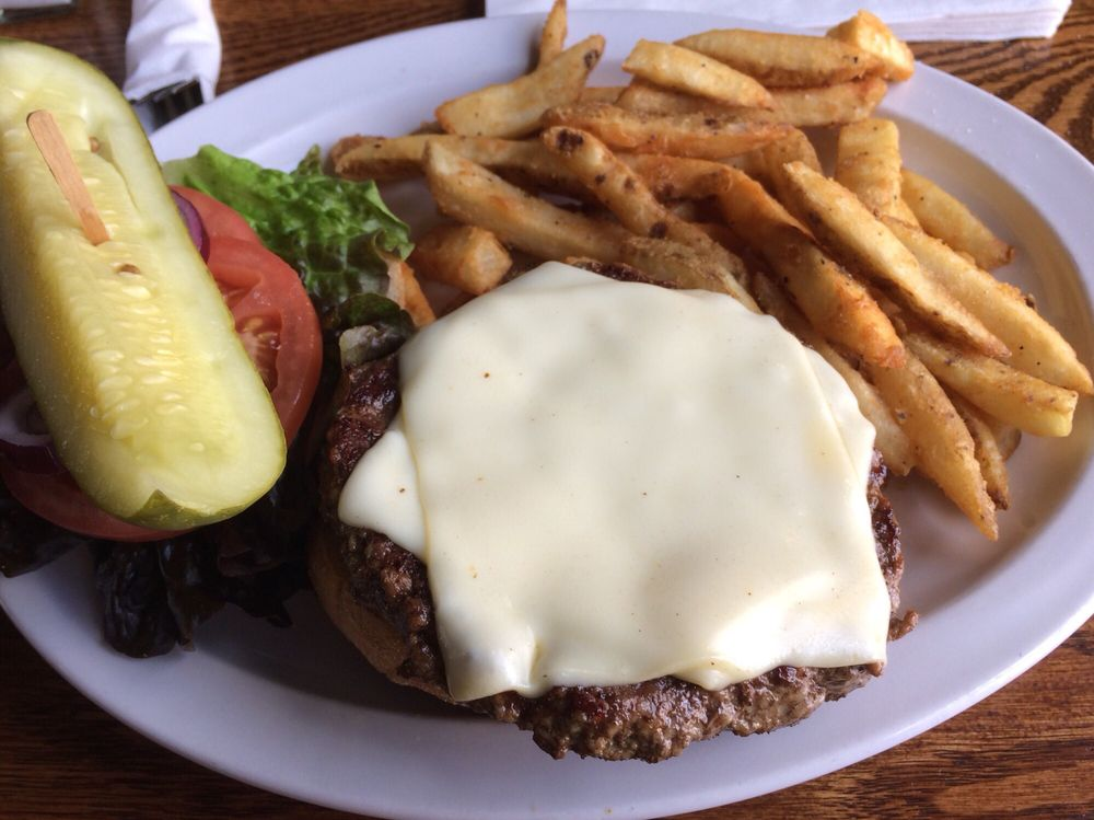 Tocci's Tailgaters Pub & Grill: 1313 Center St, Bethlehem, PA