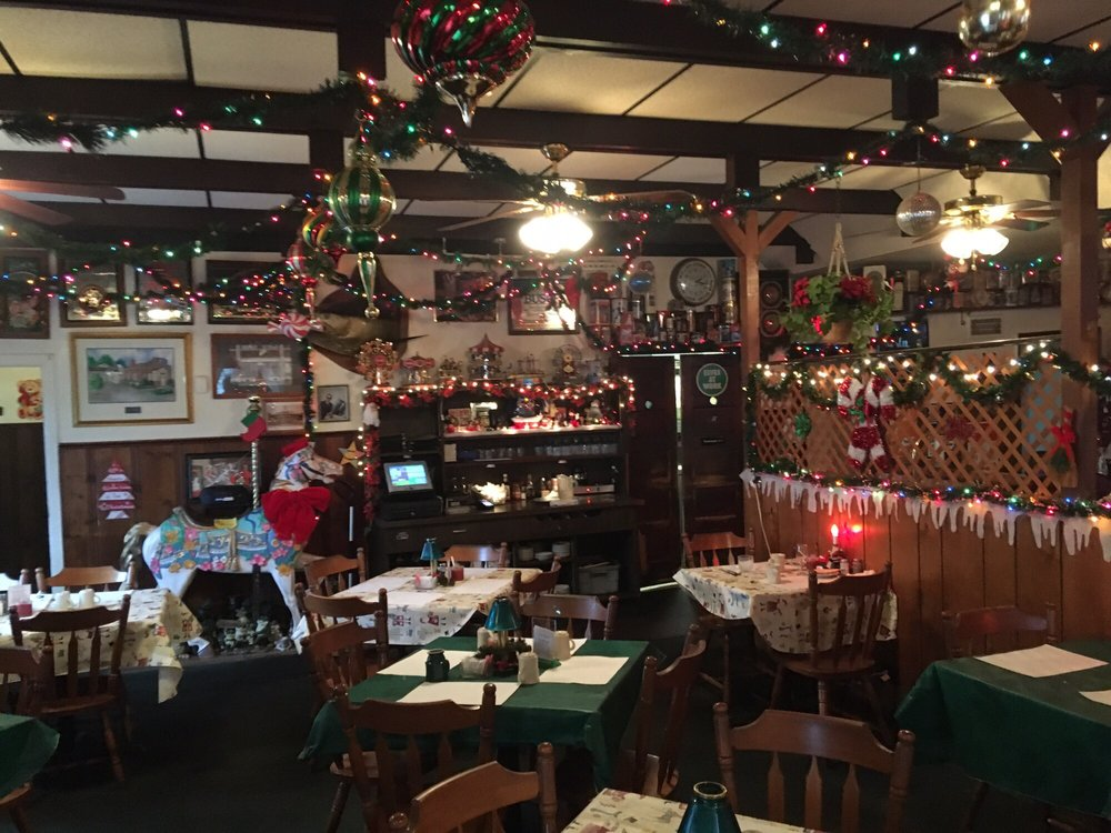 Kristy's: 434 E 200th St, Cleveland, OH