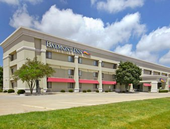 Baymont by Wyndham Champaign: 302 W Anthony Dr, Champaign, IL