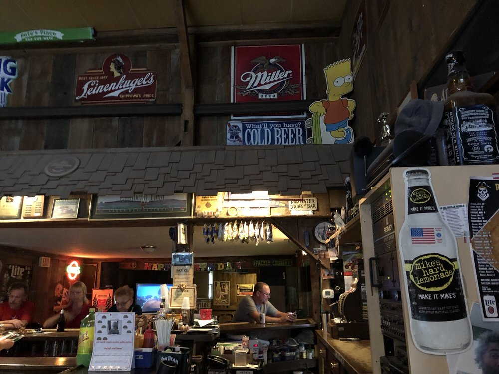Pete's Place: W3075 Green Isle Dr, Fort Atkinson, WI