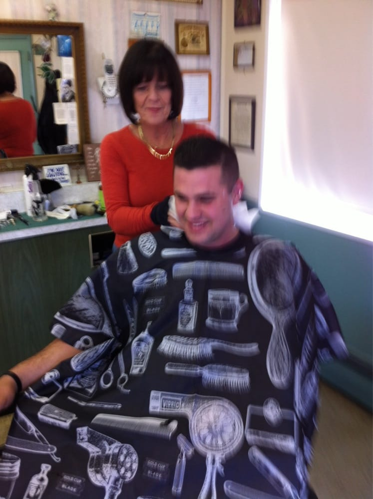 Lou's Barber Shop: 617 S Black Horse Pike, Blackwood, NJ