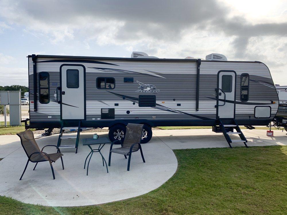 Alsatian RV Resort: 1581 County Rd 4516, Castroville, TX
