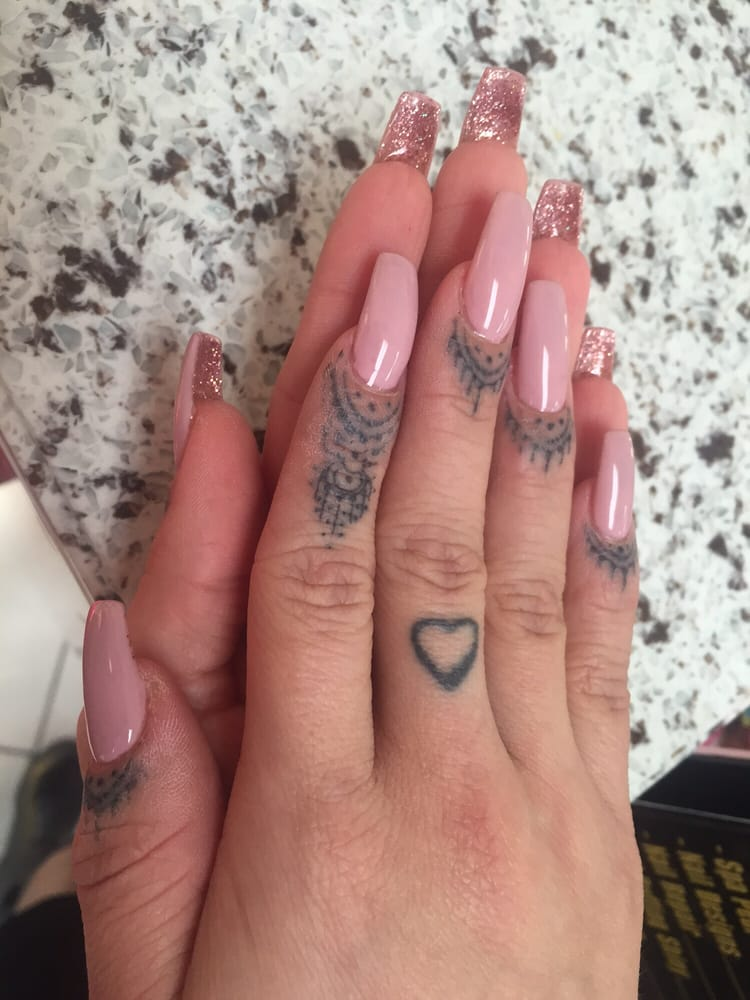 Coffin acrylics with gel #118 fairy dream and underneath is #8 pink ...