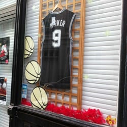6fdbe848251 La Basketball - Magasin de loisirs - 4 Rue St Genois