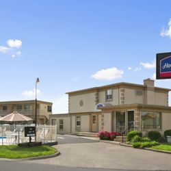 Photo Of Howard Johnson Express Inn Sandusky Milan Rd Oh United