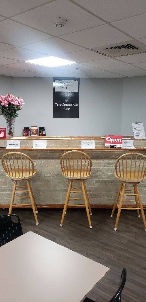 Cafe Ray's: 150 Motor Pkwy, Hauppauge, NY