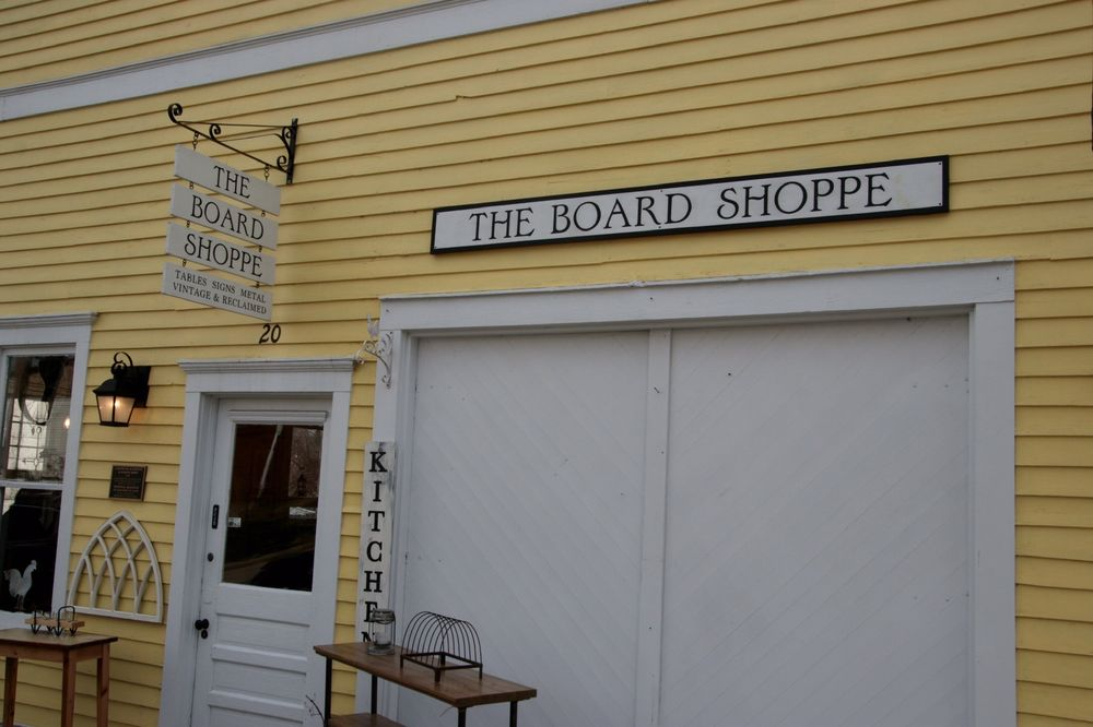The Board Shoppe: 20 Fountain St, Mineral Point, WI