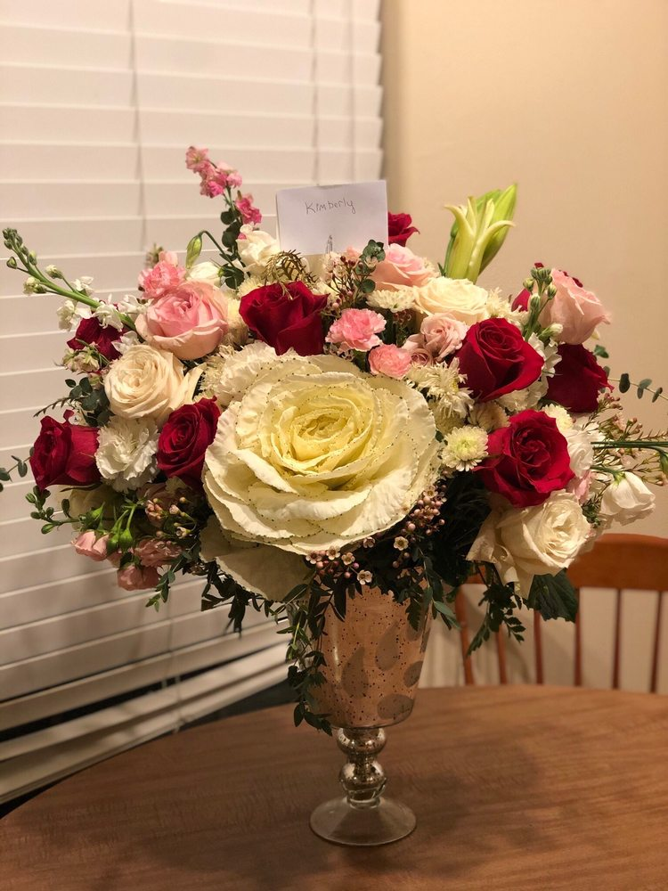 Black Tie Roses: 1015 N Chaparral St, Corpus Christi, TX