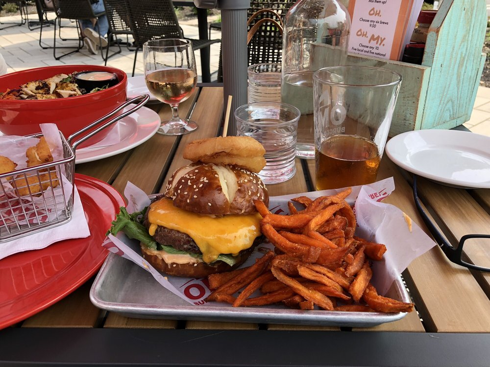 OMG Burger & Brew: 141 Schooleys Mtn Rd, Washington Township, NJ