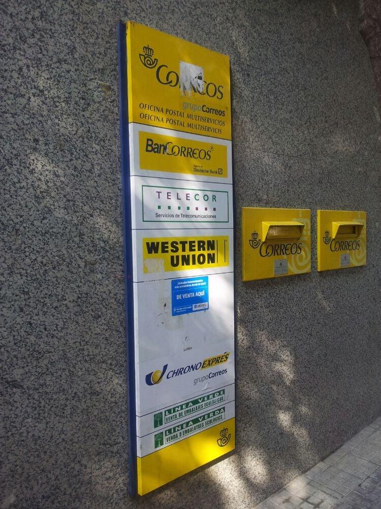 Oficina de correos posthuse carrer del cadmo 32 44 for Oficina correus barcelona
