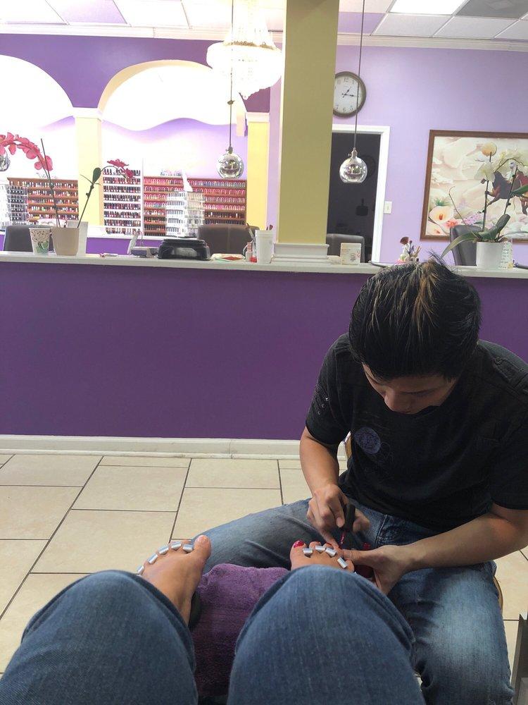 L A Nails: 10418 N Main St, Archdale, NC