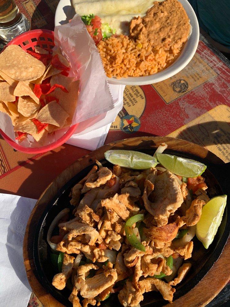 Taqueria Jalisco: 2190 Junction Hwy, Kerrville, TX