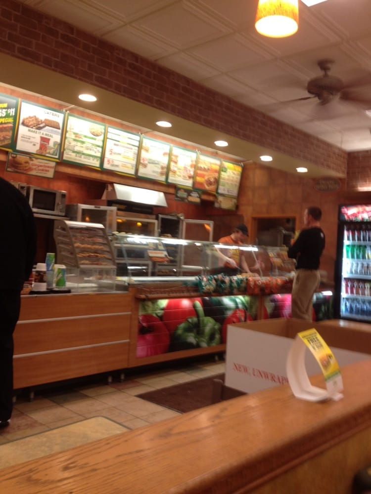 Subway: 3673 Lexington Ave N, Saint Paul, MN