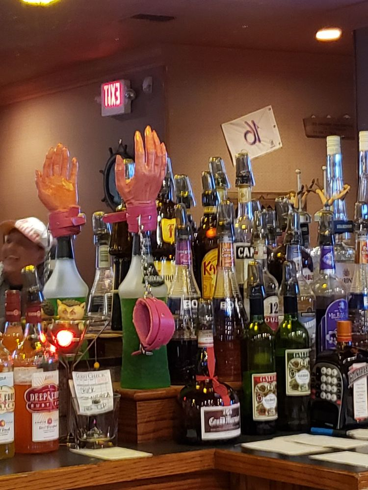 10 12 Lounge: 910 Main St, Clarkdale, AZ