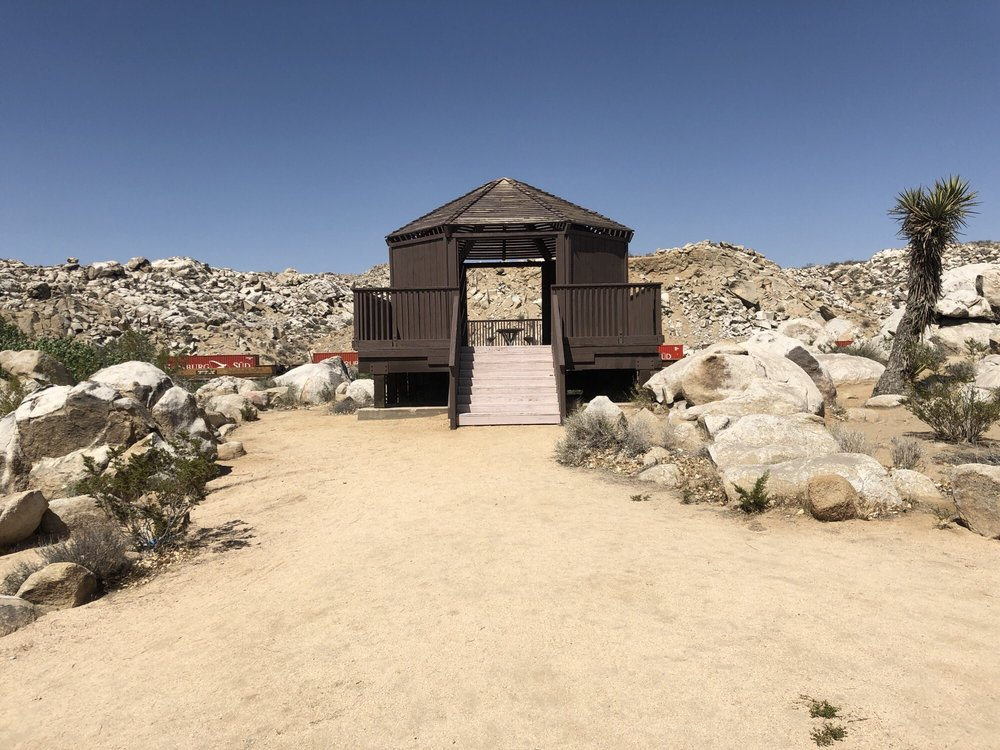 Rockview Nature Park: 17800 National Trails Hwy, Barstow, CA