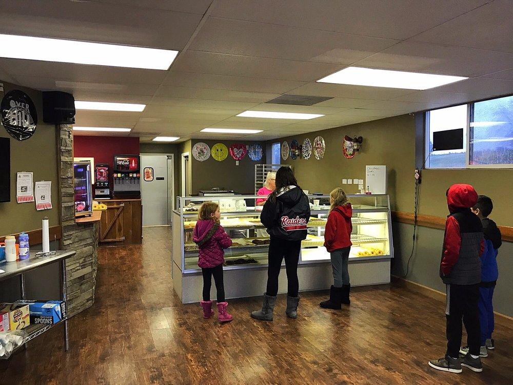 Main's Bakery: 501 N Washington St, Huntingburg, IN