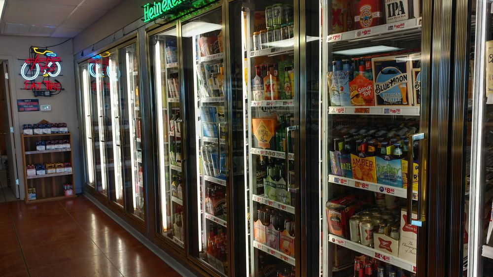Bottle Shop of Dumas: 708 Highway 65 S, Dumas, AR