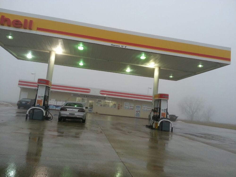Shell Gas Station: N Hwy 63, Lancaster, MO