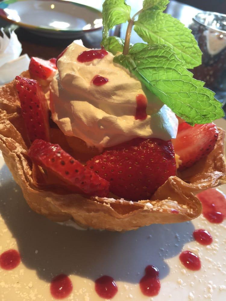 Flan con fresas yelp for Cocina con alegria