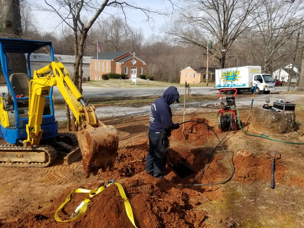 Lights Plumbing & Drain Cleaning: Lynchburg, VA