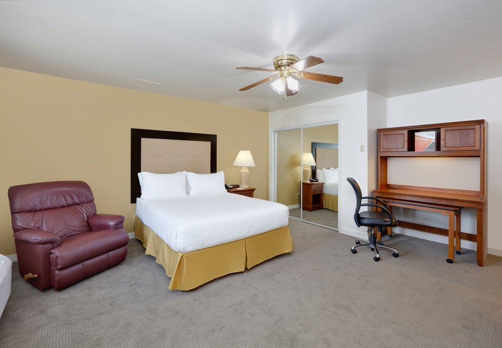 IHG Army Hotels Gibb Hall: Jolon, CA