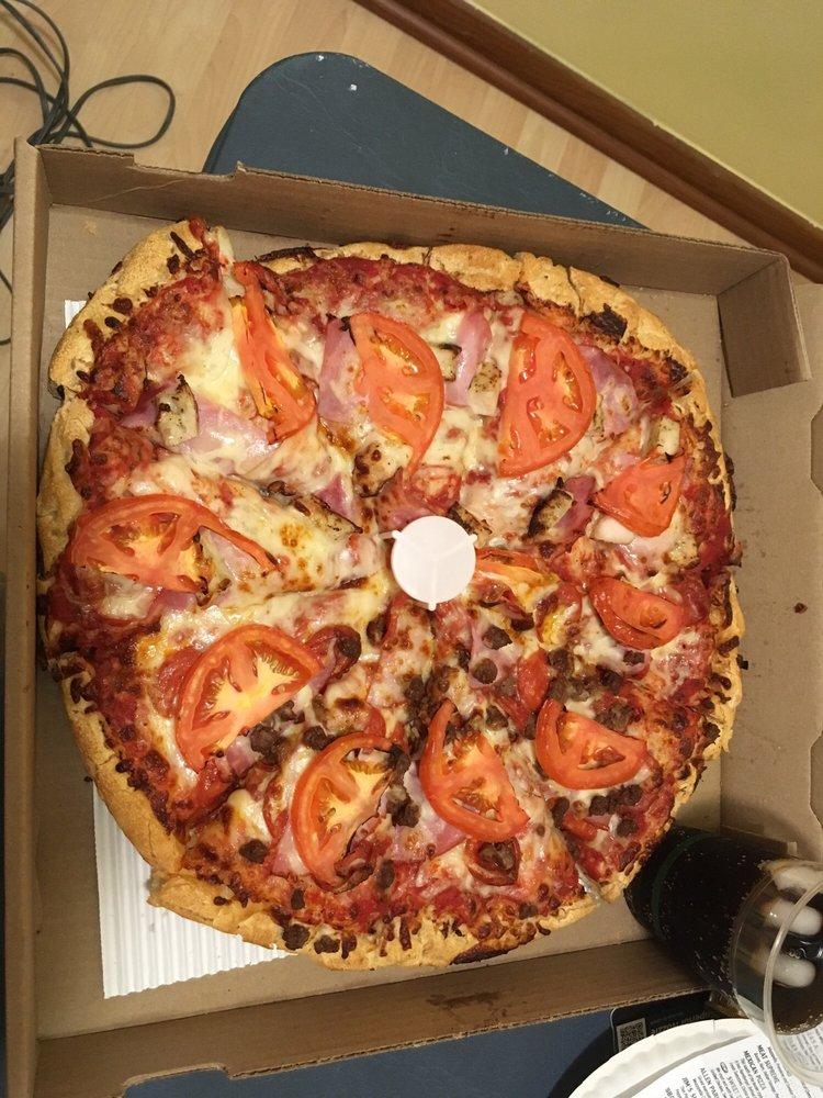 Bella Pizza: 6709 Park Ave, Allen Park, MI