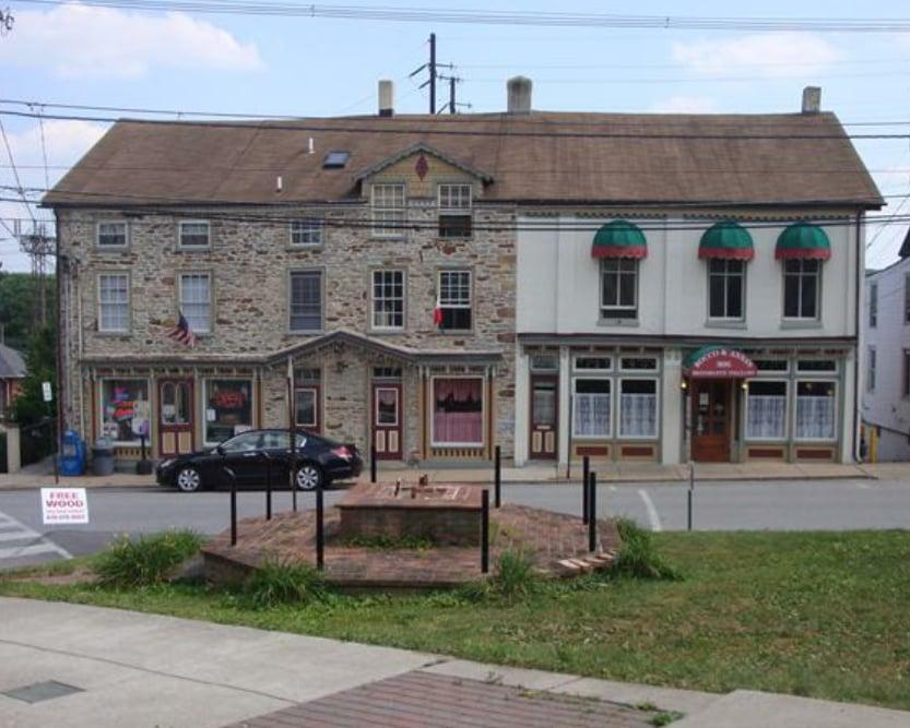 Parkesburg Pizza & Beer: 302 Main St, Parkesburg, PA