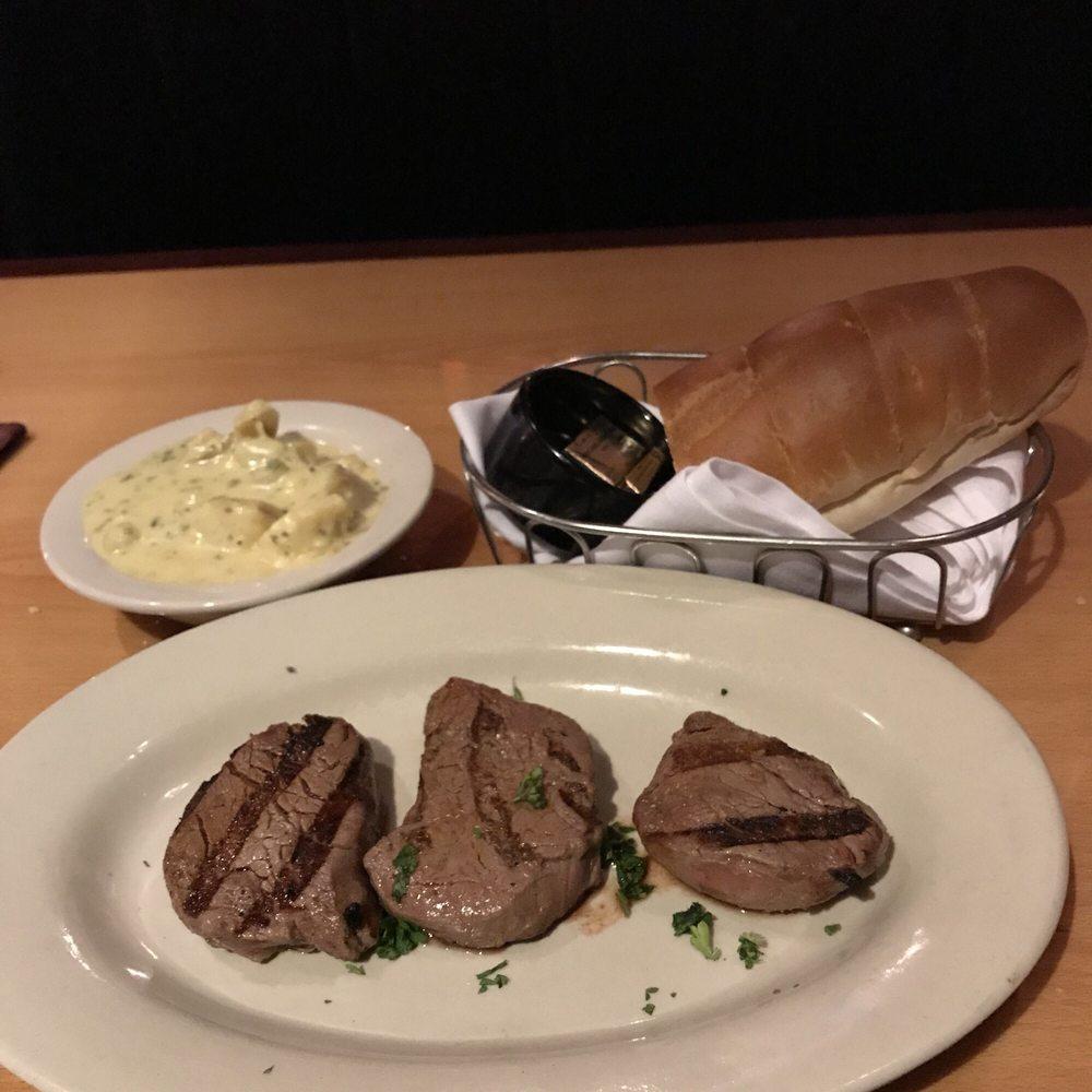 Massa's Restaurant: 15310 Manchester Rd, Ellisville, MO