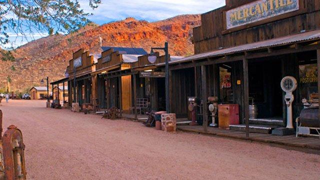 Robson's Ranch & Mining Camp: Mile Post 1 Arizona State Route 71, Wickenburg, AZ