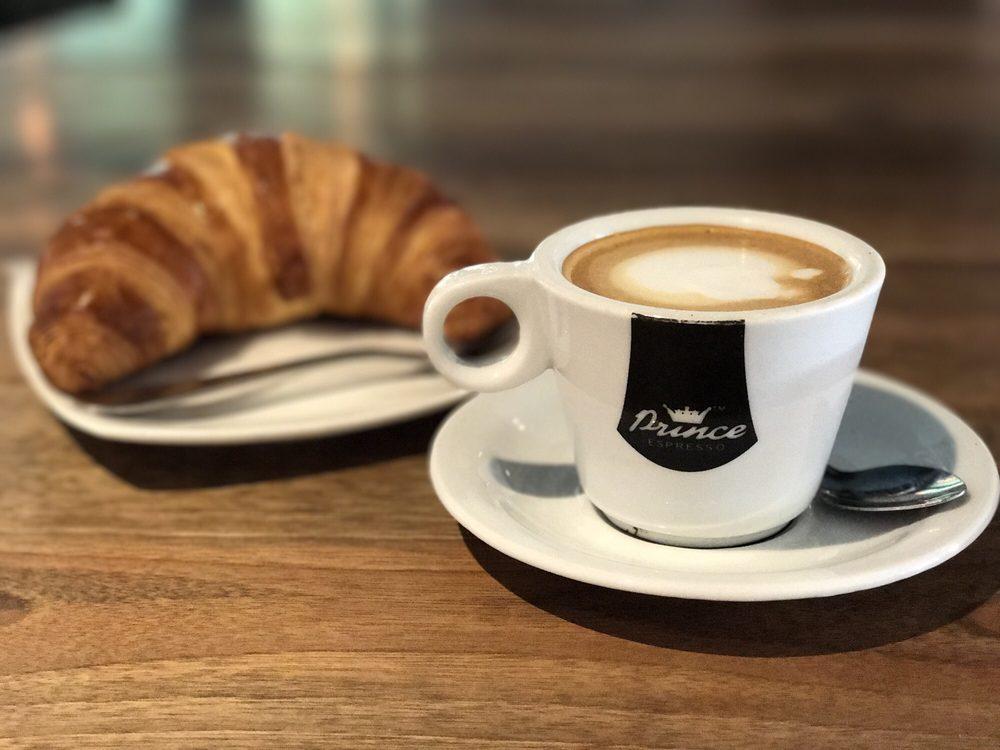 Prince coffee house 105 fotos e 76 avalia es caf e for 76 2306 3