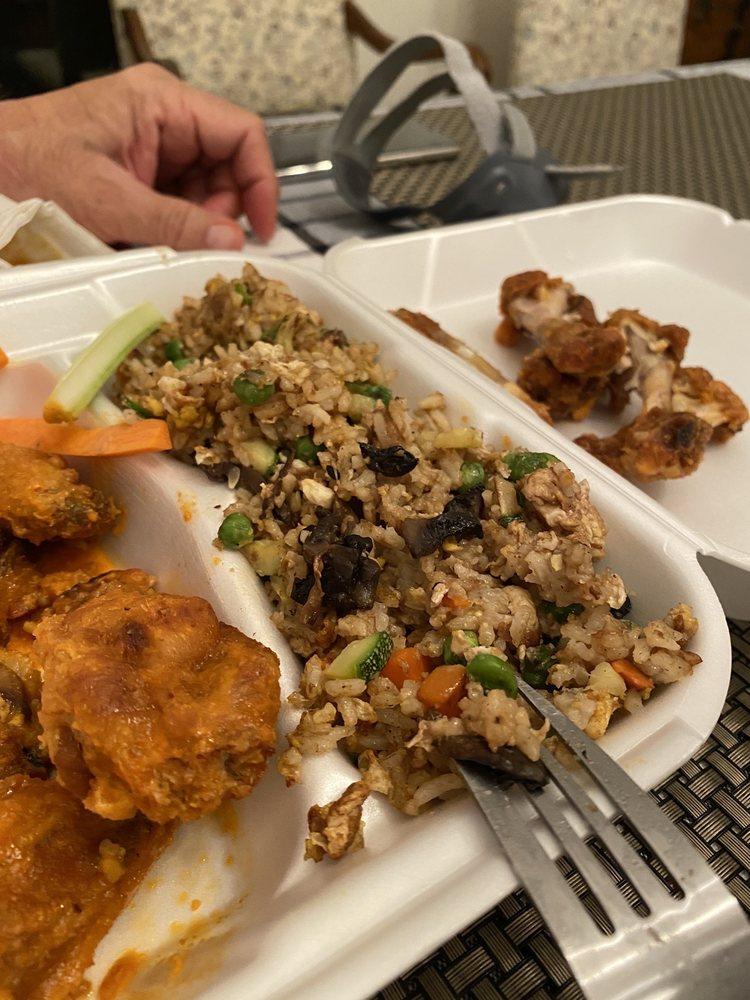 Alex's Taco's & Wings: 1362 N Ellington Pkwy, Lewisburg, TN