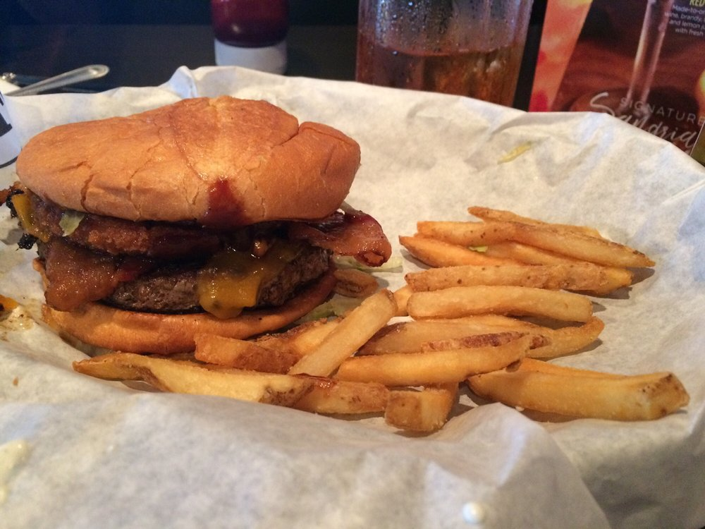 Ruby Tuesday: 6421 Interstate Drive, Cottondale, AL