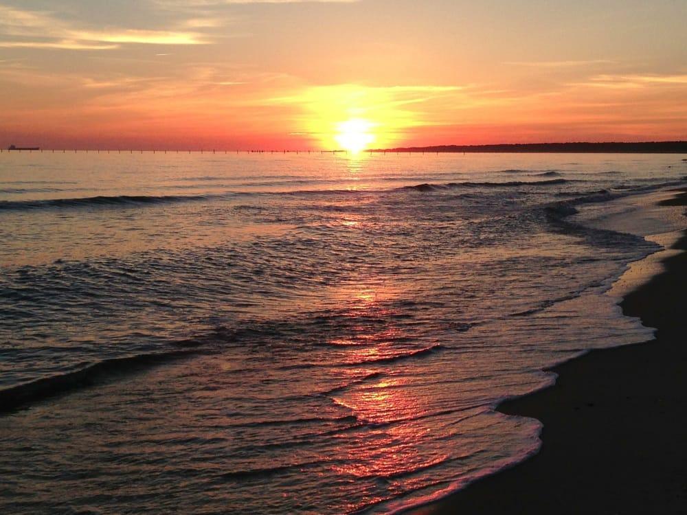 Sunrise chesapeake bay yelp for Lynnhaven fishing pier