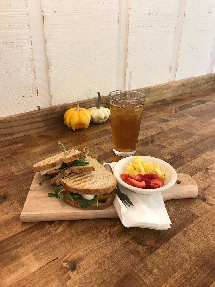 Stefari Cafe: 150 N Schuyler Ave, Kankakee, IL