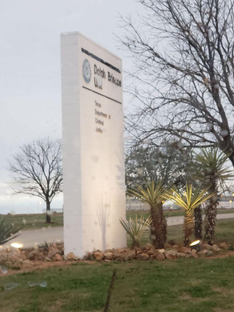 Dolph Briscoe Unit: 1459 W Hwy 85, Dilley, TX