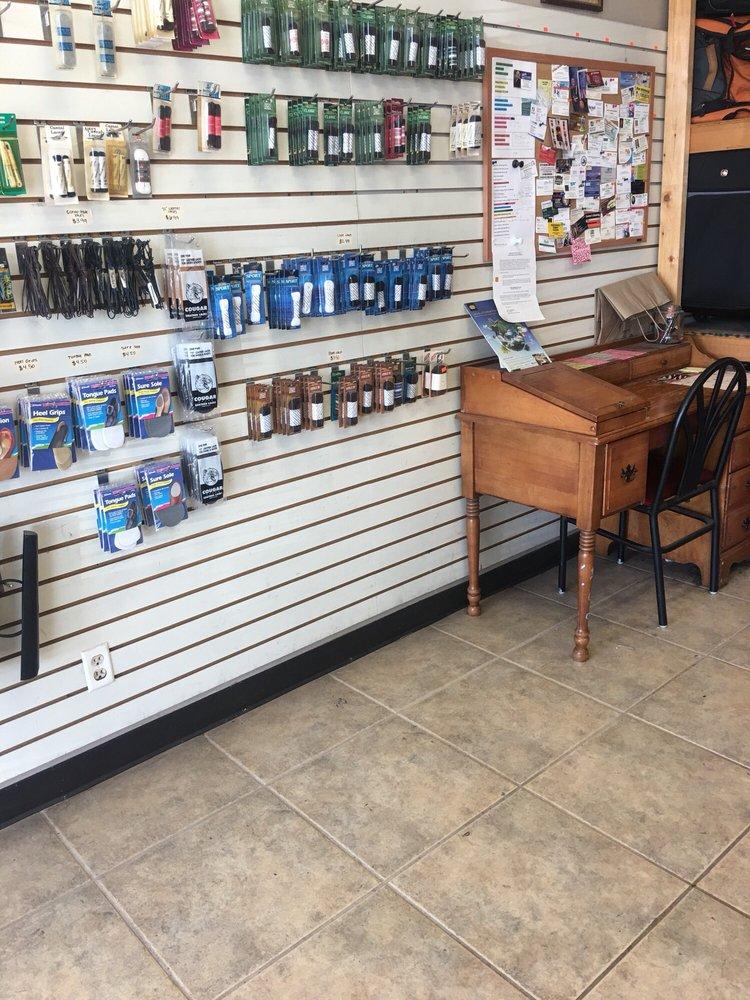 Corner Cobbler: 930 W Poplar Ave, Collierville, TN