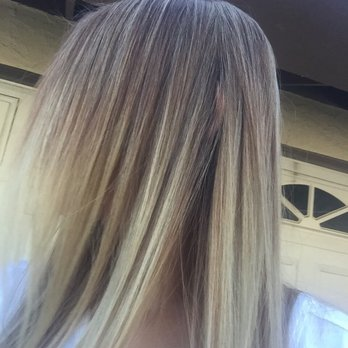 Amateur allure blonde