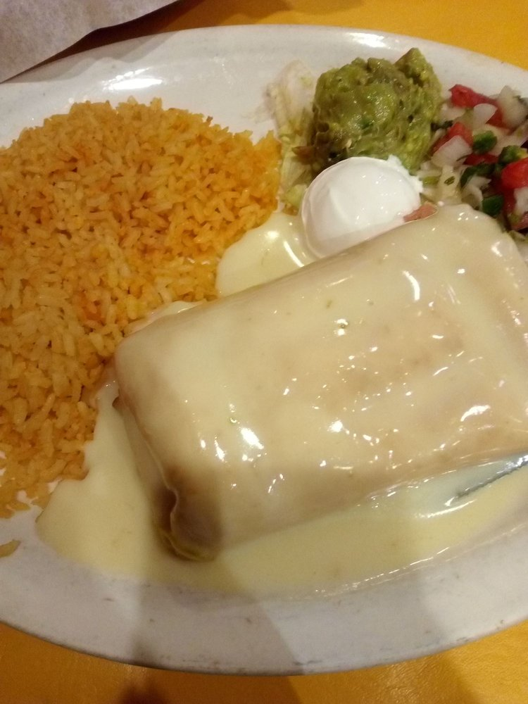 Los Arcos Mexian Grill: 615 Interstate 30, Mount Vernon, TX