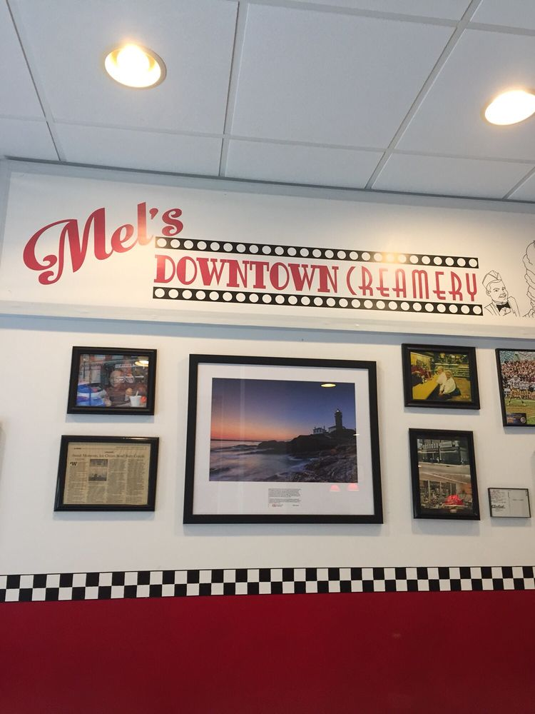 Mel's Downtown Creamery: 37 W Broad St, Pawcatuck, CT