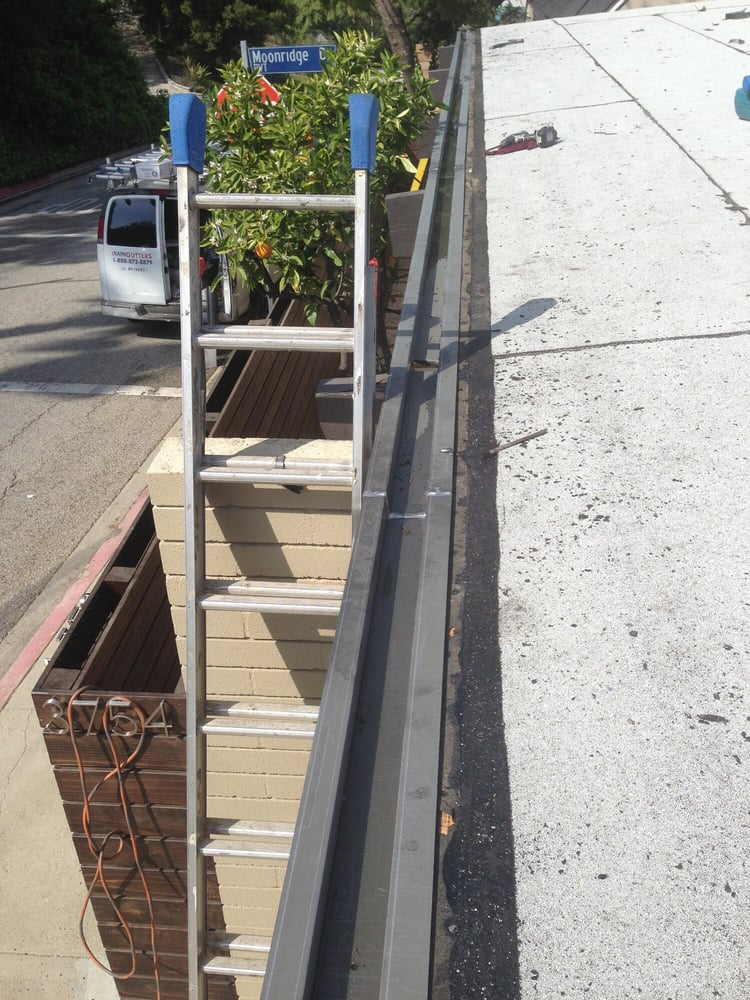 Installation Of Custom Made Inlay Sheet Metal Gutter