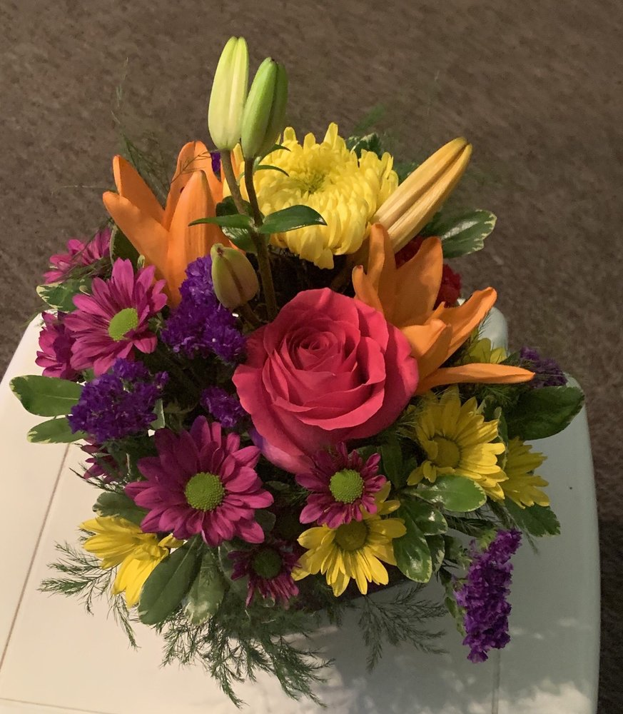 Hefko Floral Company: 630 S Central Ave, Marshfield, WI