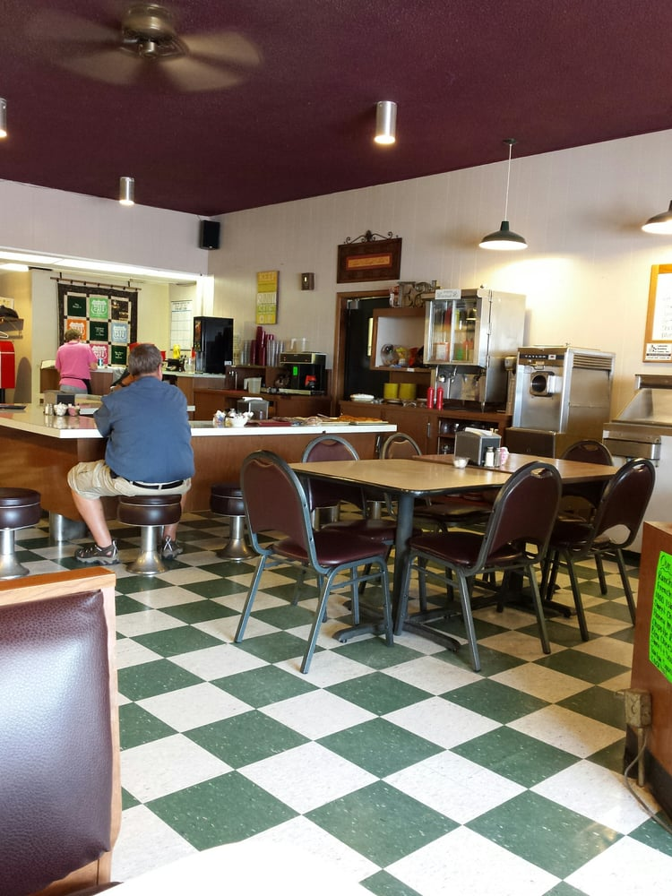 Ness Cafe: 103 Vance Ave N, Erskine, MN