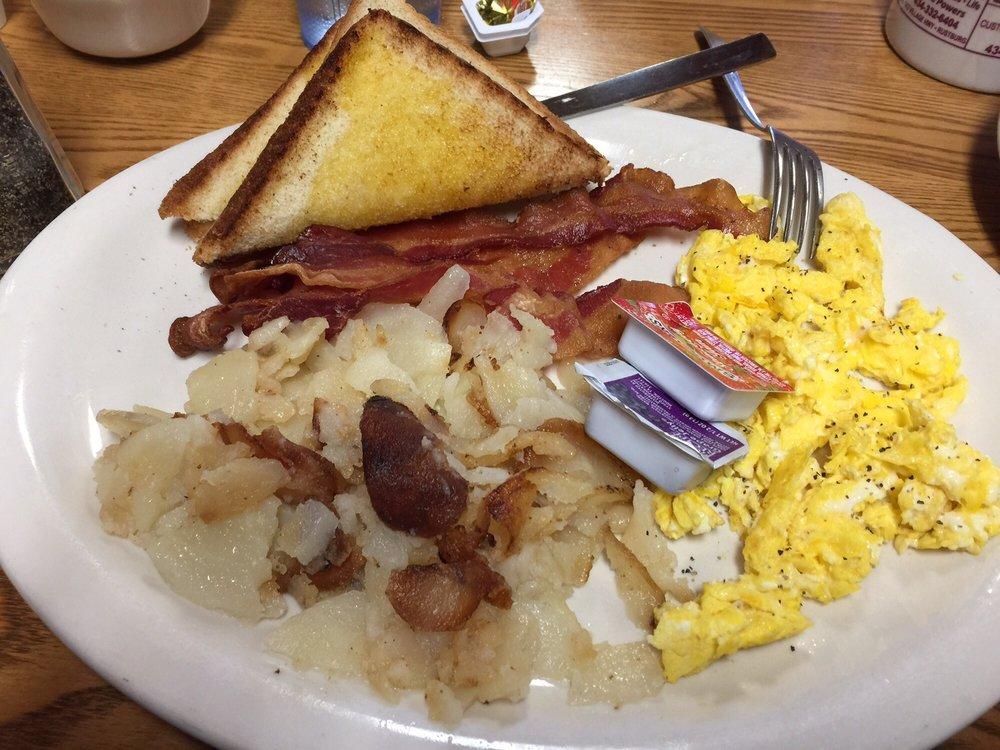 Colonial Restaurant: 8790 Wards Rd, Rustburg, VA