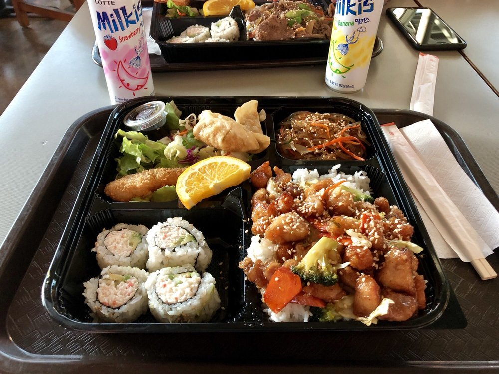 Food from Noodle-N-Roll