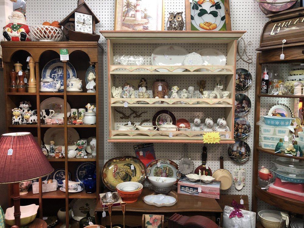 Antiques & More: 23 W Oak St, Arcadia, FL