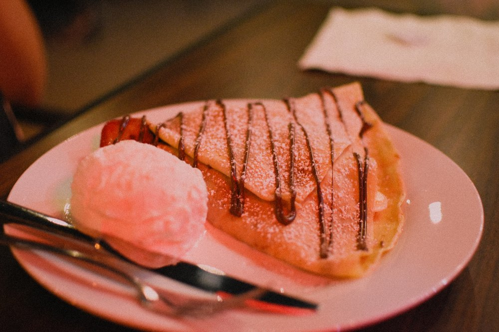 Mamma Mia Crepes and Desserts: 54225 N Cir Dr, Idyllwild, CA