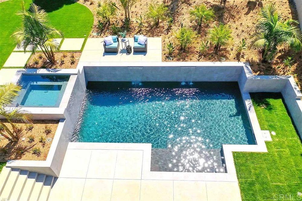 Capstone Pool & Spa Remodeling