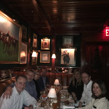 Foto di The Polo Bar - New York, NY, Stati Uniti. Group shot