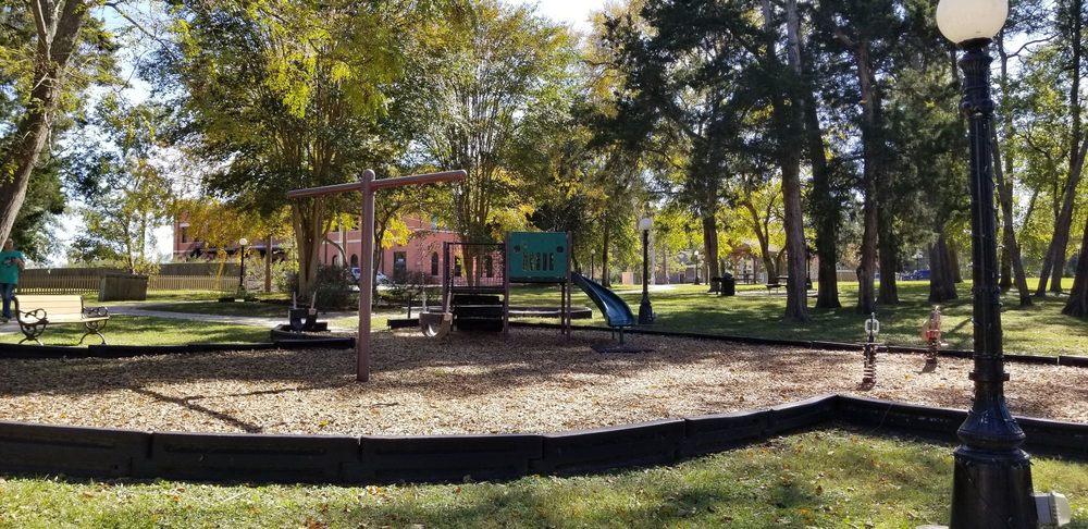 Cedar Brake Park: 900 Eva St, Montgomery, TX